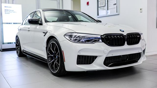 2019 Alpine White M5 Competition